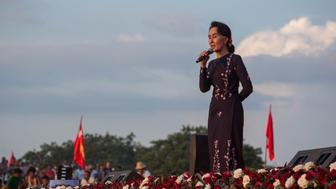 YANGON, MYANMAR - NOVEMBER 01: Myanmar opposition leader Aung San Suu Kyi addresses a campaign rally for the NLD (National League for Democracy), one week before the free election in decades in Thuwanna, Yangon, Myanmar on November 01, 2015. (Photo by Guillaume Payen/Anadolu Agency/Getty Images)