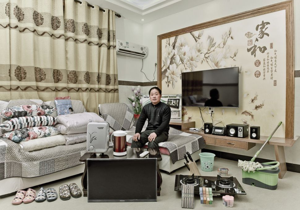 Mao Hongwei, 48, from Yuanling village, Hangzhou, was not familiar with the Internet before he started online shopping. The f