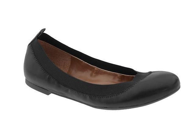 """""""The elastic keeps me from getting blisters, and the insoles are padded so they're super comfy."""" (<a href=""""http://bananarepub"""
