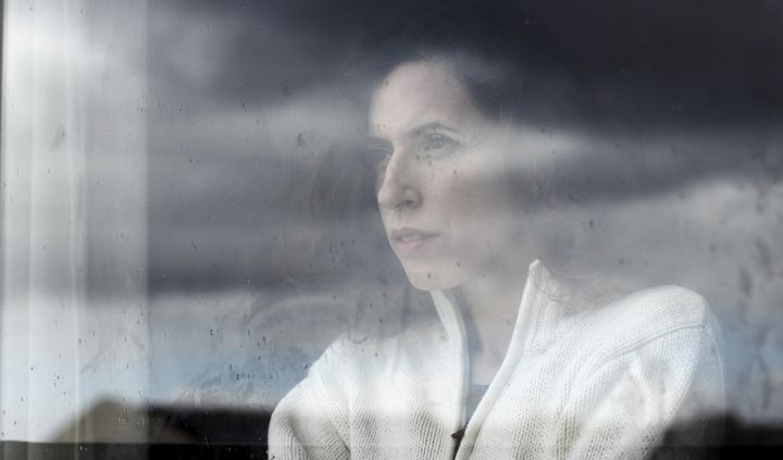A new study suggests that talk outshines light-therapy in keeping the winter blues at bay.