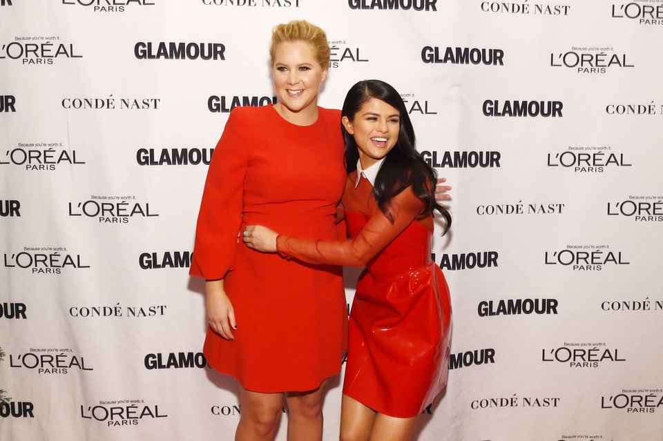 NEW YORK, NY - NOVEMBER 09:  Comedian Amy Schumer (L) and recording artist Selena Gomez attend 2015 Glamour Women Of The Year