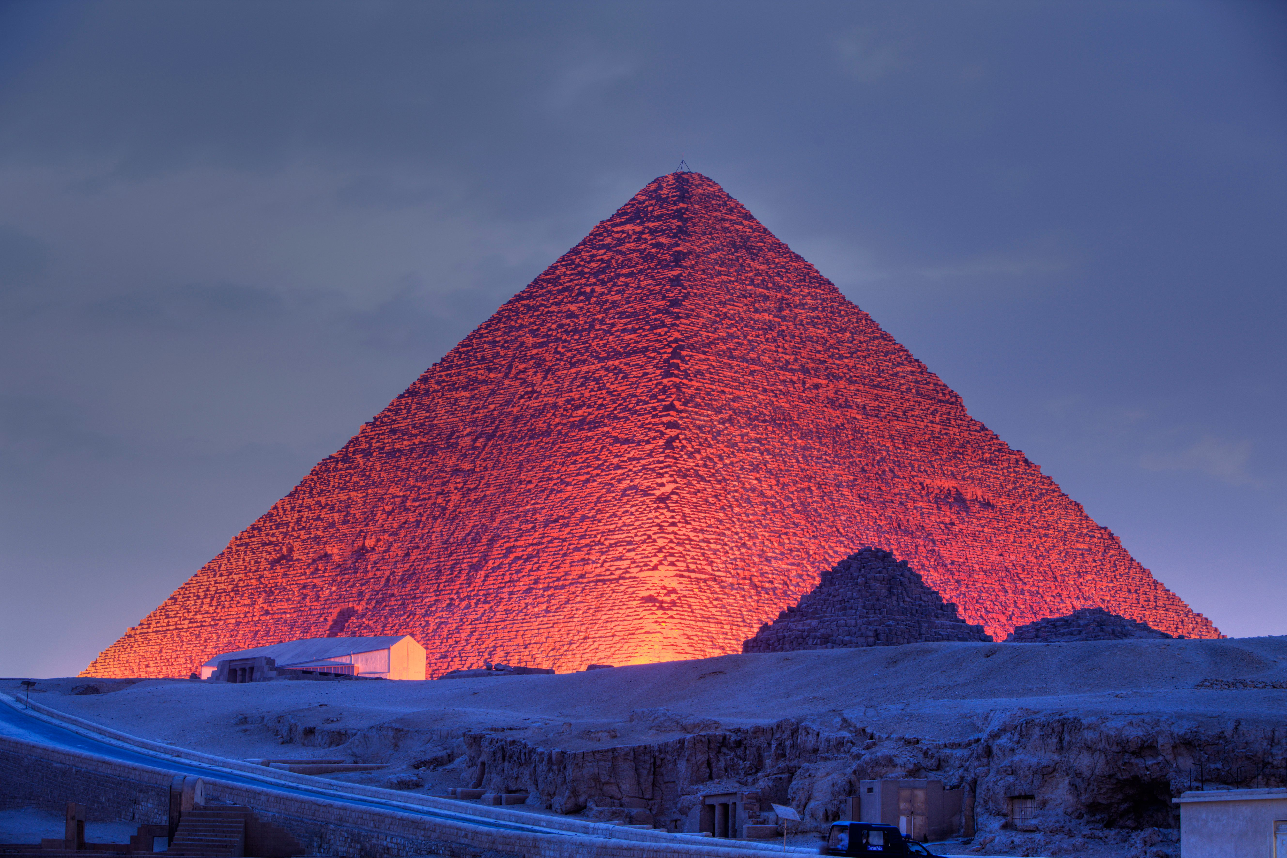 (GERMANY OUT) Light and Sound Show at Pyramids of Giza, Cairo, Egypt  (Photo by Reinhard Dirscherl/ullstein bild via Getty Images)