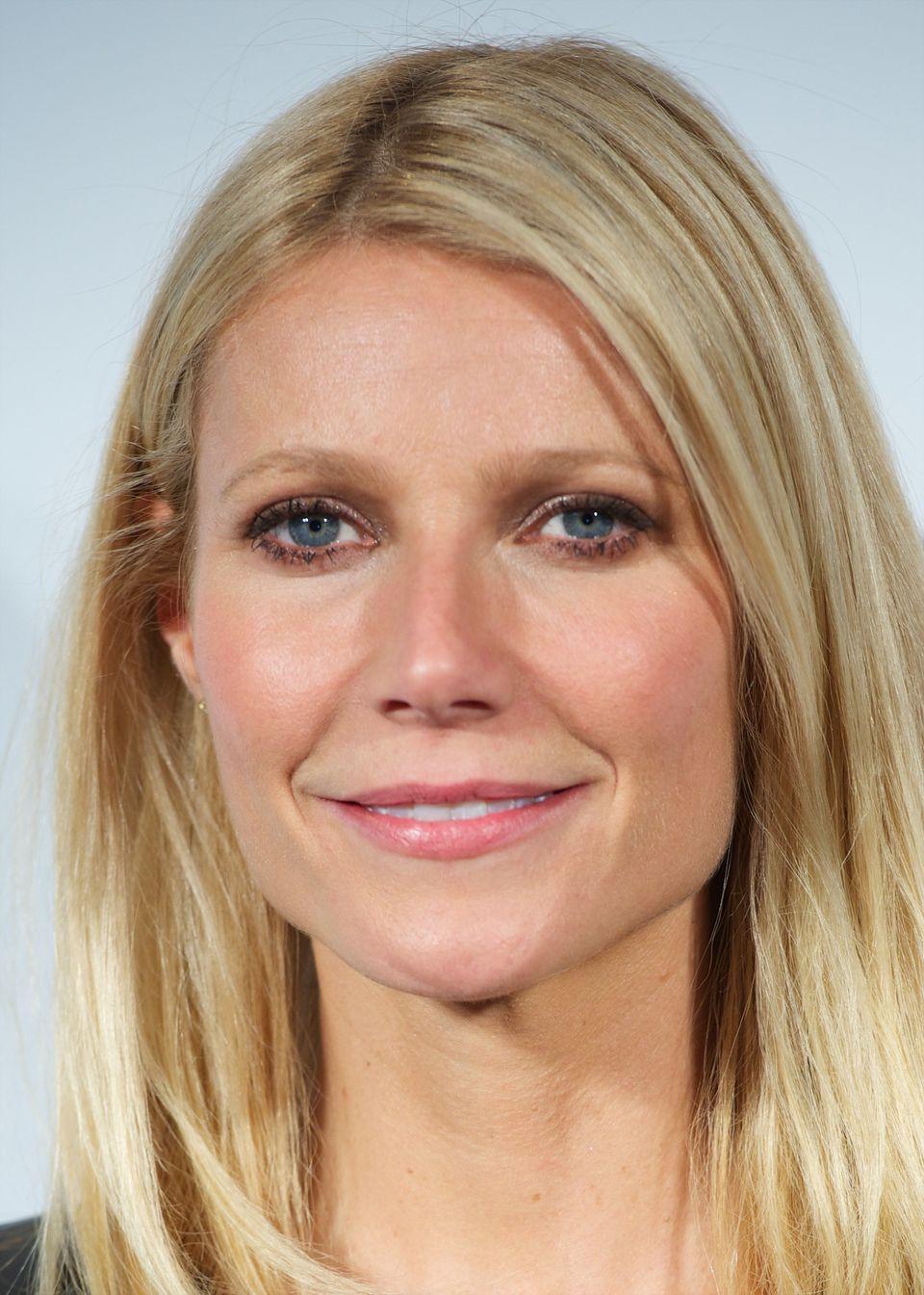 """<a href=""""http://www.harpersbazaar.com/magazine/cover/gwyneth-paltrow-interview-0513#slide-1"""" target=""""_blank"""">Gwyneth told Har"""
