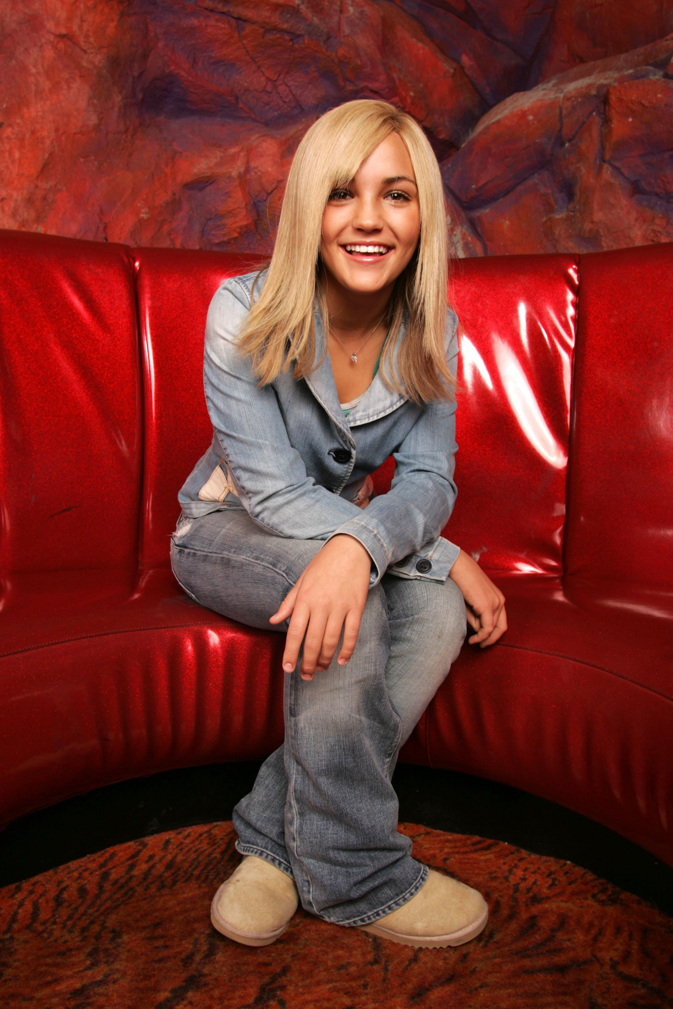 NEW YORK - JANUARY 06:  (U.S. TABS OUT AND NO SALES TO A.M.I)  Actress Jamie Lynn Spears poses for a portrait on January 06, 2005 in New York City.  (photo by Todd Plitt/Getty Images)