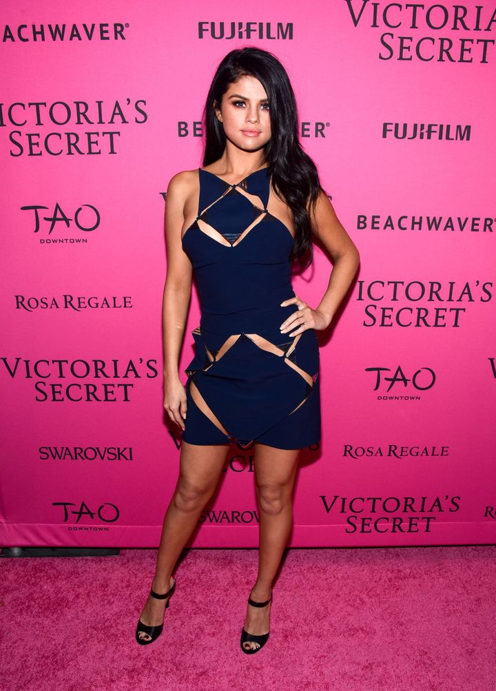 Selena Gomez Wears Risqué Dress With Low Cutouts For Victoria\'s ...