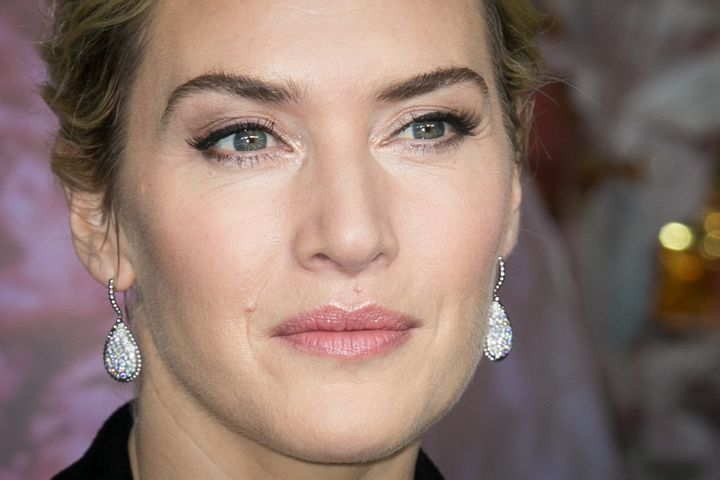 Actor Kate Winslet told the BBC that all this pay talk is making her uncomfortable.