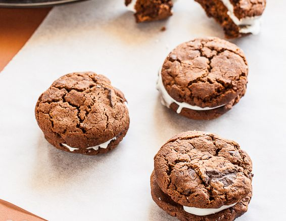 "<strong>Get the <a href=""http://www.ledelicieux.com/recipes/chocolate-peppermint-sandwich-cookies/"" target=""_blank"">Chocolate"