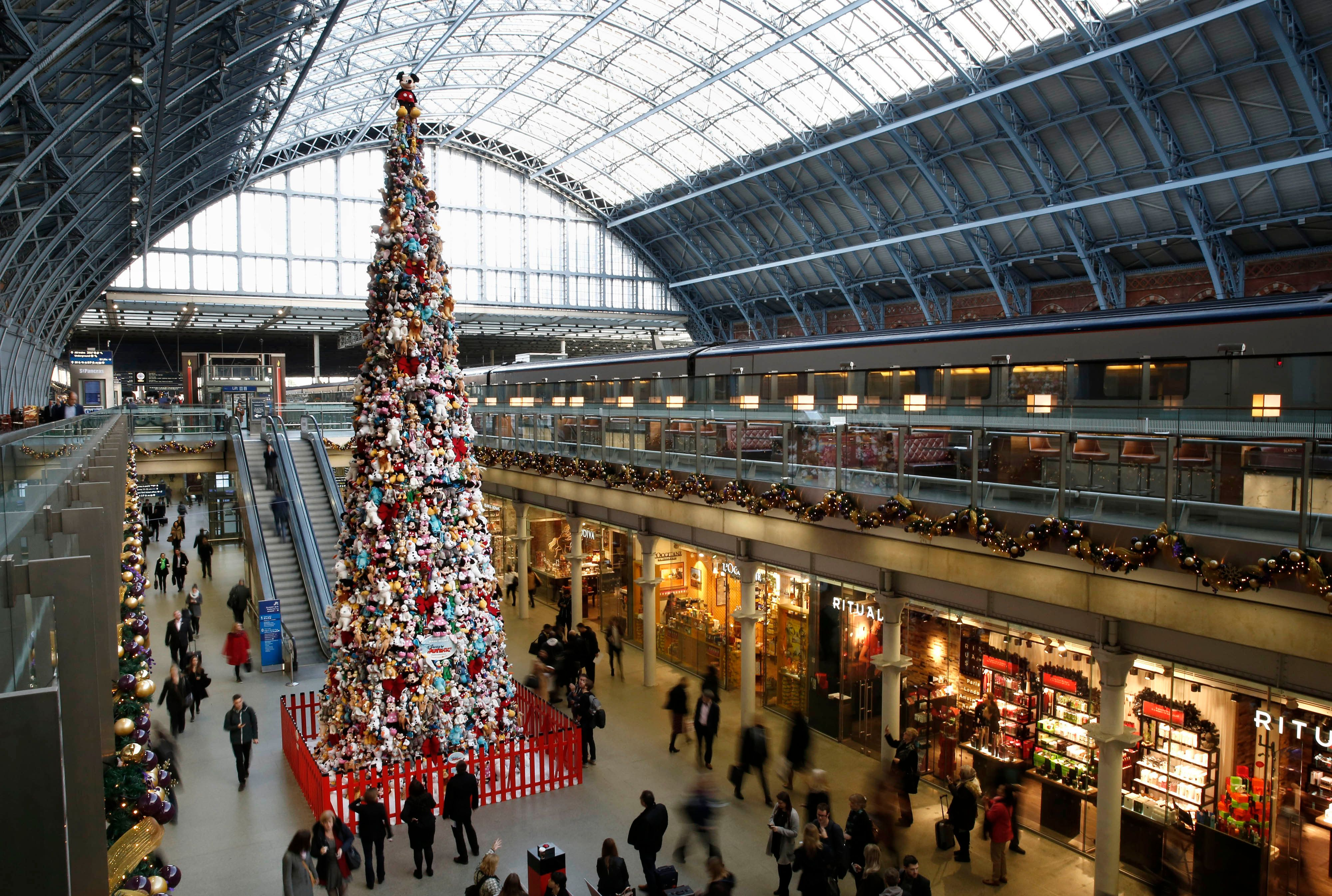 EDITORIAL USE ONLYThe worldÕs biggest Disney Junior soft toy tree, which has been created using 2000 soft toys, is unveiled at St Pancras International in London.
