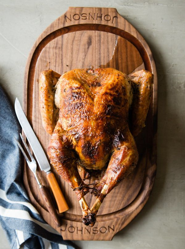 "<strong>Get the <a href=""http://cafejohnsonia.com/2015/10/maple-sage-spice-rub-how-to-dry-brine-turkey.html"">Maple Sage Rubbe"