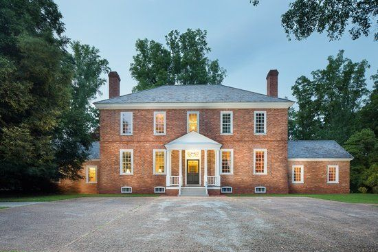 5 Stunning Colonial Homes On The Market Right Now Huffpost Life