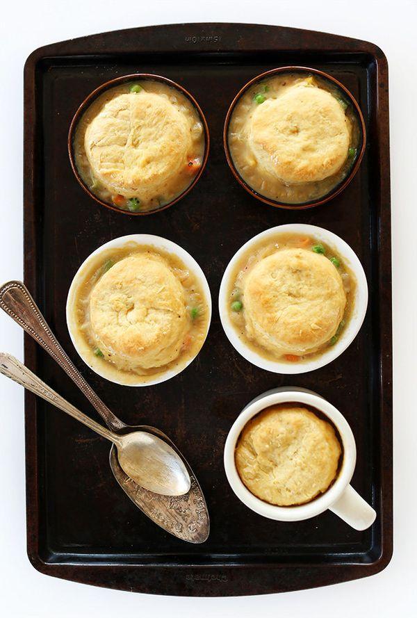 "<strong>Get the<a href=""http://minimalistbaker.com/1-hour-vegan-pot-pies/"" target=""_blank""> 1-Hour Vegan Pot Pies recipe</a>"