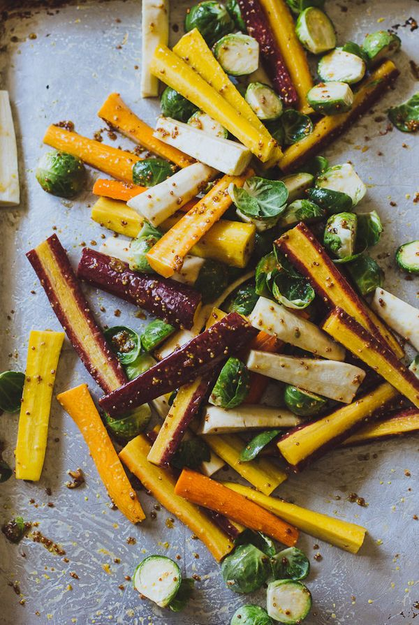 """<strong>Get the <a href=""""http://www.theclevercarrot.com/2015/11/maple-roasted-harvest-vegetables/"""" target=""""_blank"""">Maple Roas"""