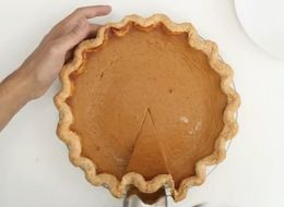 The Simple Pie Crust Tutorial Everyone Needs For Thanksgiving