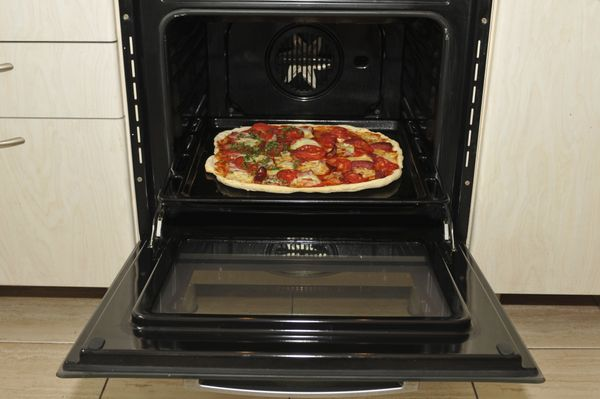 """Once you're done using the oven, <a href=""""http://www.goodtoknow.co.uk/wellbeing/galleries/34250/central-heating-avoidance-20-"""