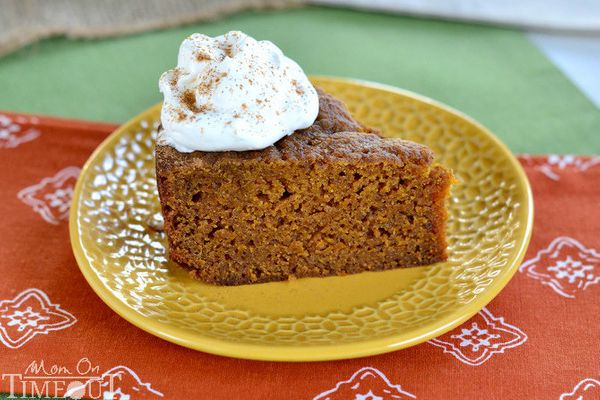 "<strong>Get the <a href=""http://www.momontimeout.com/2013/10/slow-cooker-pumpkin-pie-cake/"" target=""_blank"">Slow Cooker Pumpk"