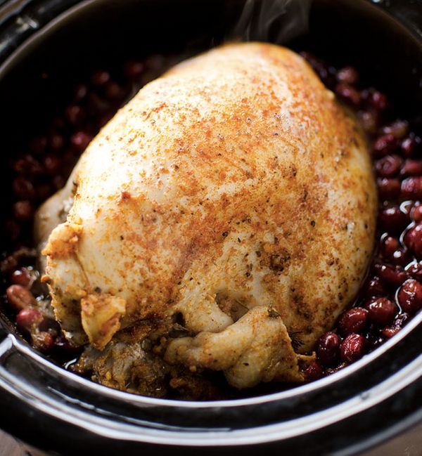 "<strong>Get the <a href=""http://www.thecreativebite.com/crock-pot-turkey-breast-cranberry-sauce/"">Slow Cooker Turkey Breast I"