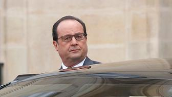 PARIS, FRANCE - NOVEMBER 18:  French President, Francois Hollande leaves after a meeting at the Elysee Presidential Palace on November 18, 2015 in Paris, France. It is the second cabinet meeting after Friday's terrorist attacks which left at least 129 people dead and hundreds more injured in Paris.  (Photo by Chesnot/Getty Images)