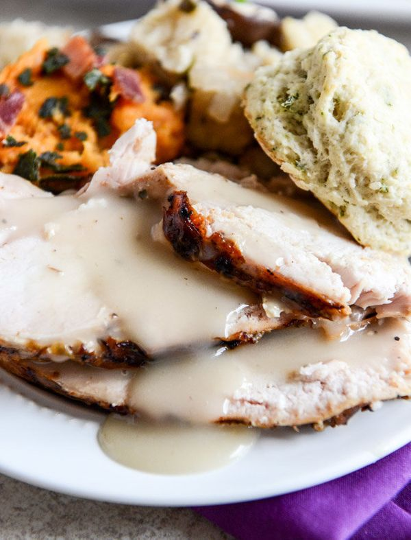 """<strong>Get the <a href=""""http://www.howsweeteats.com/2013/11/applewood-smoked-turkey-with-cider-bourbon-gravy/"""" target=""""_blan"""