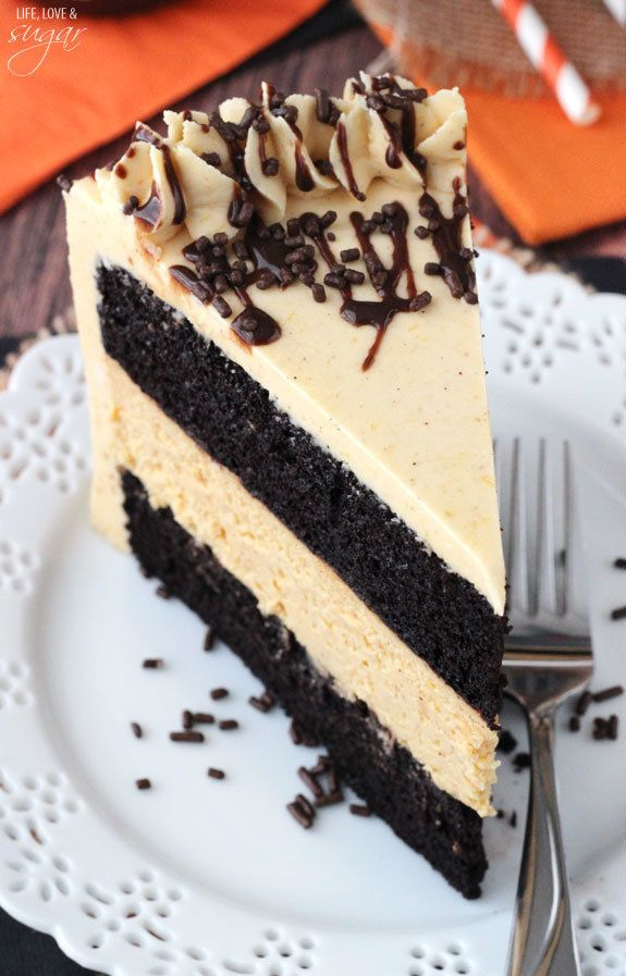 "<strong>Get the <a href=""http://www.lifeloveandsugar.com/2014/09/24/chocolate-pumpkin-cheesecake-cake/"" target=""_blank"">Choco"