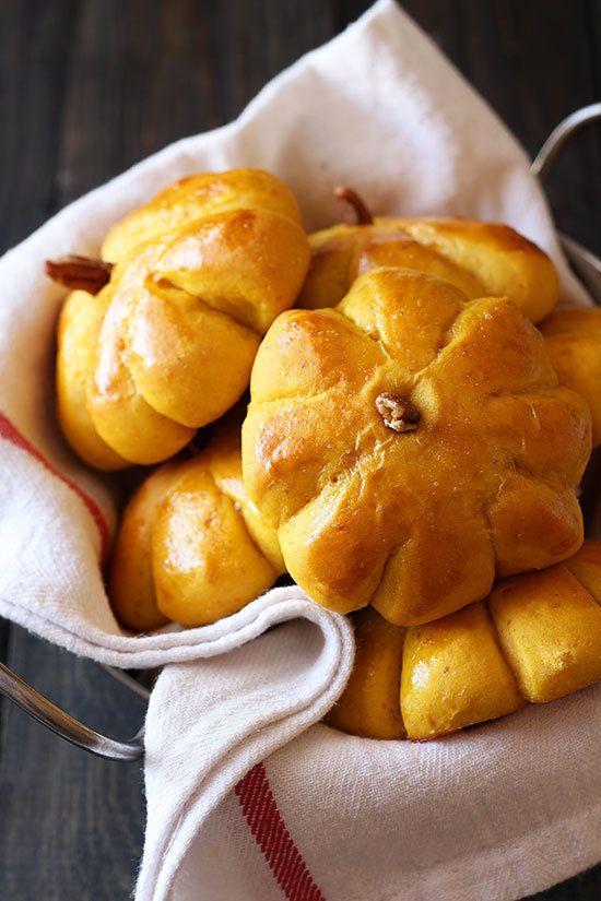"<strong>Get the <a href=""http://www.handletheheat.com/pumpkin-bread-rolls-cinnamon-butter/"" target=""_blank"">Pumpkin Bread Rol"