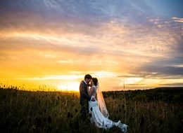 34 Scenic Wedding Photos That Are Truly Spectacular