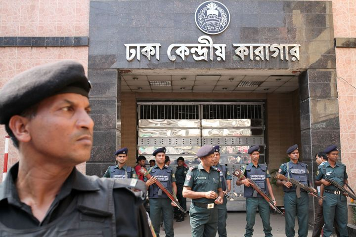 Relatives of the opposition leaders arrived at Dhaka Central Jail on Thursday.
