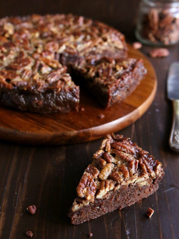 "<strong>Get the <a href=""http://www.completelydelicious.com/2014/11/pecan-pie-brownies.html"" target=""_blank"">Pecan Pie Browni"