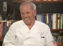 You'll Never Guess Wolfgang Puck's Surprise Gravy Ingredient