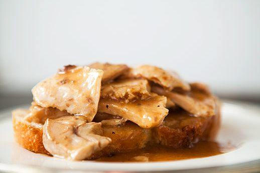 """<strong>Get the <a href=""""http://www.simplyrecipes.com/recipes/open_faced_turkey_and_gravy_sandwich/"""" target=""""_blank"""">Hot Turk"""