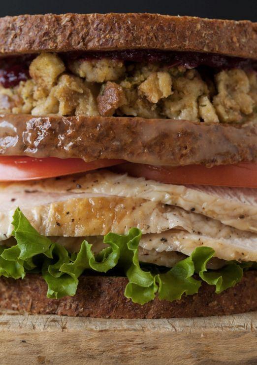 "<strong>Get <a href=""http://www.spoonforkbacon.com/2011/11/thanksgiving-turkey-sandwich-with-a-moist-maker/"">The Specialist L"