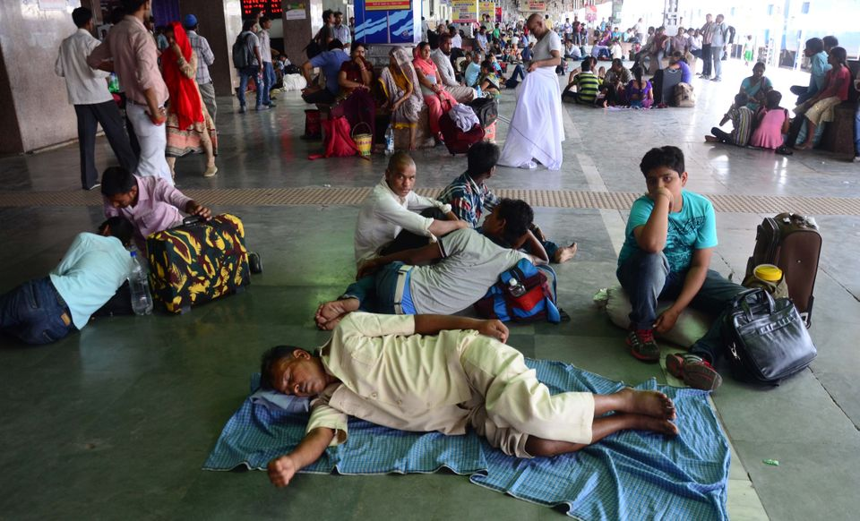 "A heat wave in India in May killed about <a href=""http://emdat.be/disaster_profiles/index.html"">2,500 people</a>, U"