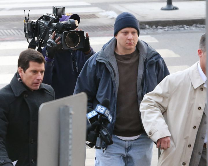 Chicago police Officer Jason Van Dyke arrives at the Leighton Criminal Courthouse in Chicago on Tuesday, Nov. 24, over the ki