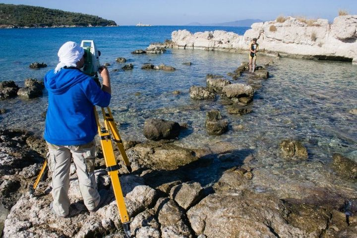 Researchers may have found the ancient Greek city of Kane off Turkey's coast.