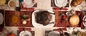 BURNT TURKEY DINNER FAMILY HOLIDAY THANKSGIVING