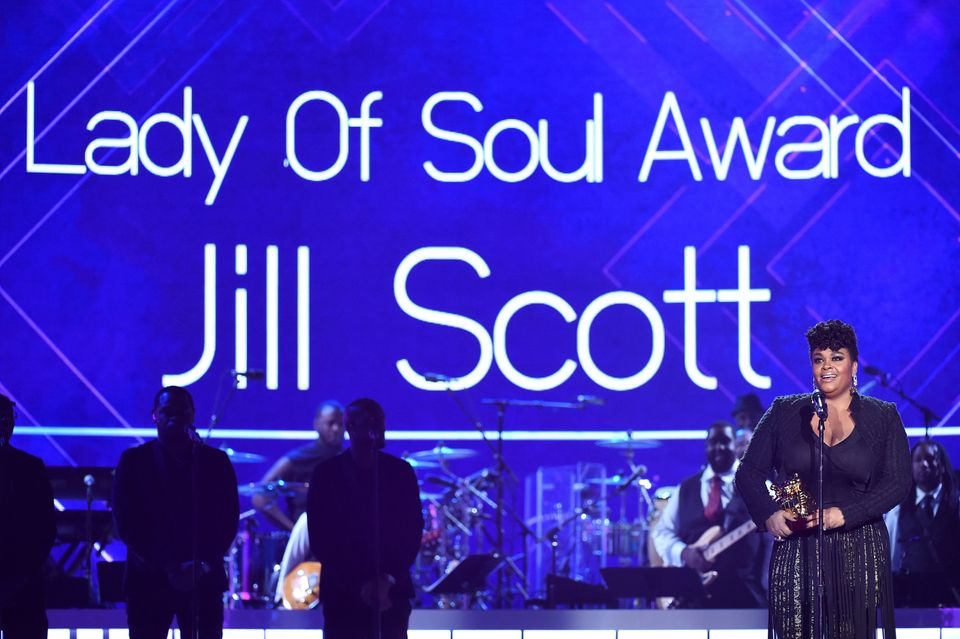 LAS VEGAS, NV - NOVEMBER 06:  Honoree Jill Scott accepts the Lady of Soul Award onstage during the 2015 Soul Train Music Awar