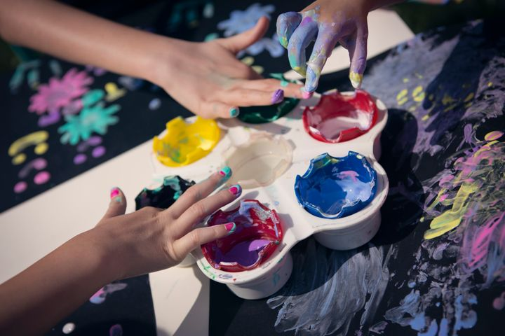 37 Art Therapy Techniques For De-Stressing This Season