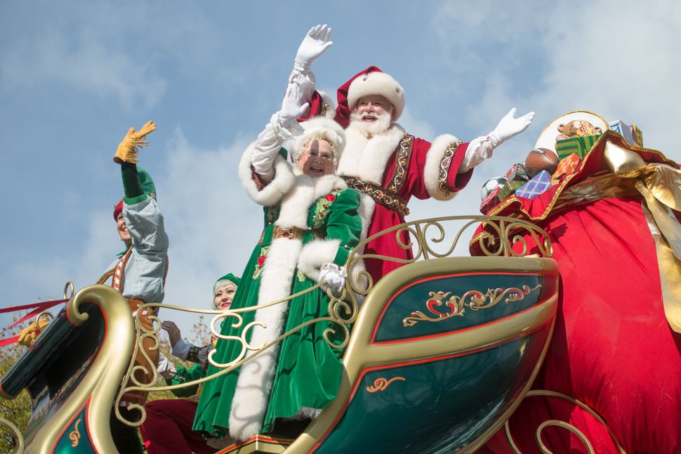 No Macy's Thanksgiving Day Parade is complete without Santa.