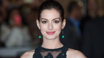 LONDON, ENGLAND - SEPTEMBER 27:  Anne Hathaway attends the UK Premiere of 'The Intern' at Vue West End on September 27, 2015 in London, England.  (Photo by Samir Hussein/WireImage)