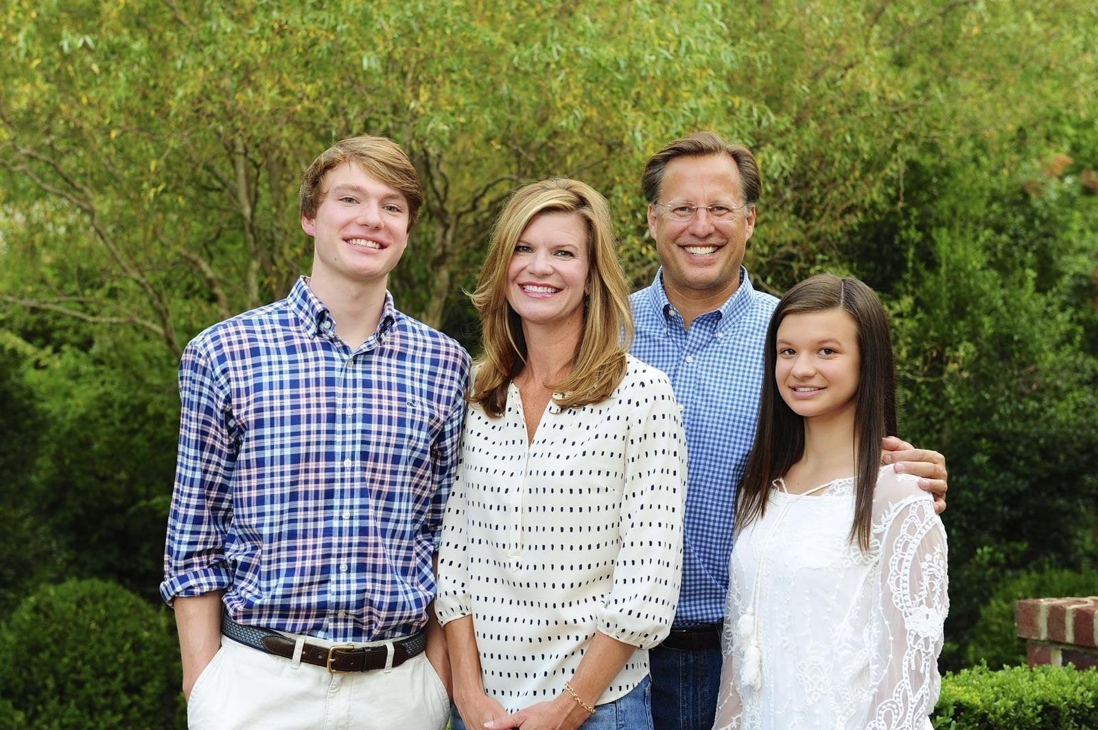Rep. Dave Brat (R-Va.) and his wife, Laura, with their children.