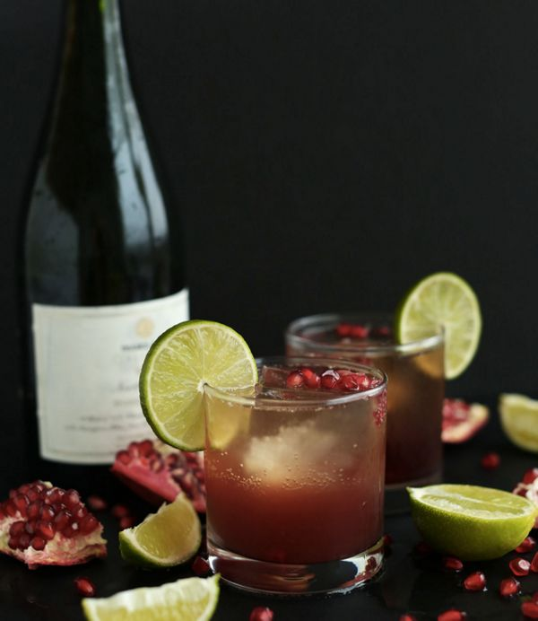 """<strong>Get the <a href=""""http://minimalistbaker.com/sparkling-pomegranate-margaritas/"""" target=""""_blank"""">Sparkling Pomegranate"""