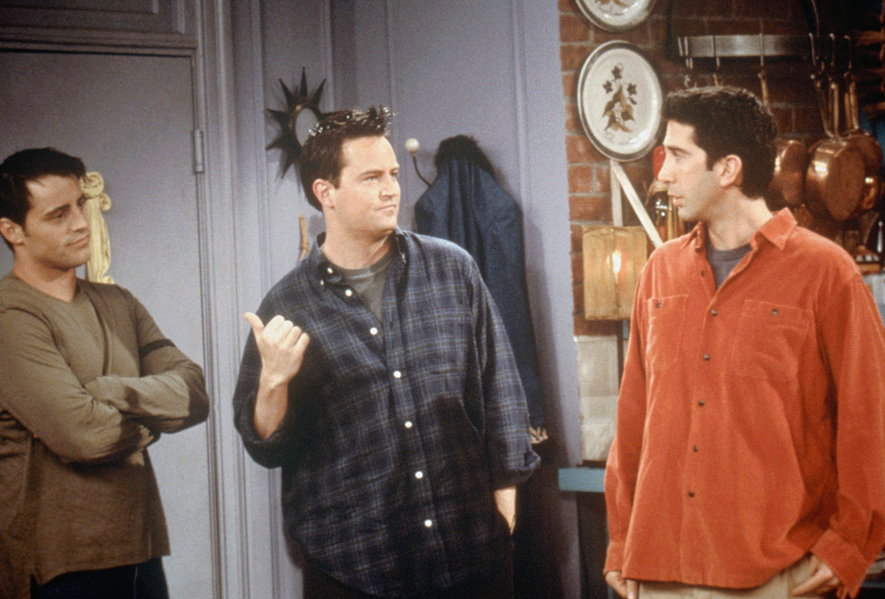 FRIENDS -- 'The One on the Last Night' Episode 6 -- Pictured: (l-r) Matt LeBlanc as Joey Tribbiani, Matthew Perry as Chandler Bing, David Schwimmer as Ross Geller  (Photo by NBC/NBCU Photo Bank via Getty Images)