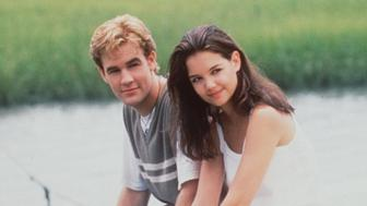 1998 James Van Der Beek and Katie Holmes star in 'Dawson's Creek..'