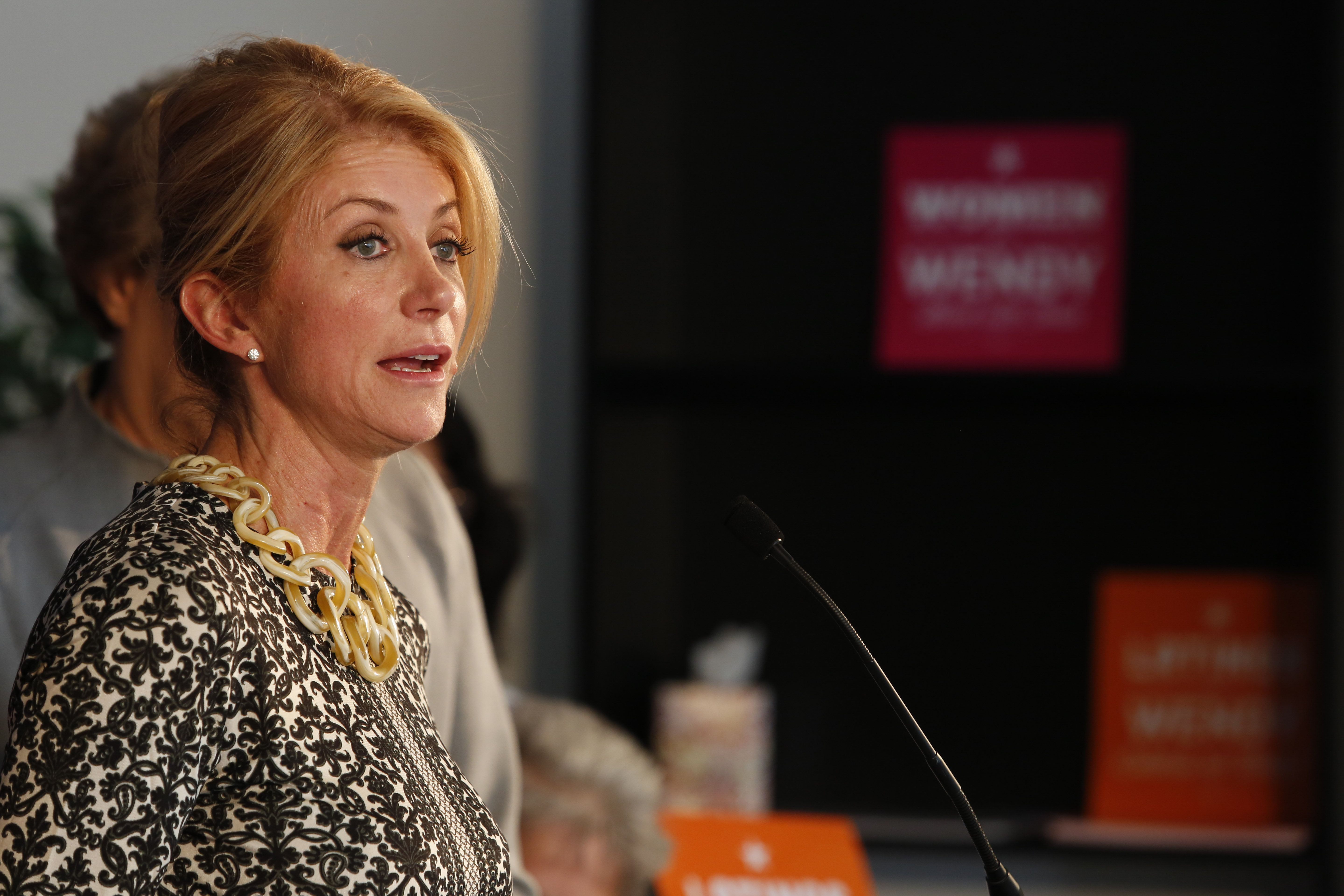HOUSTON, TX - OCTOBER 16:  Gubernatorial Democratic candidate and Texas State Senator Wendy Davis speaks about a recent Supreme Court ruling on easing HB2, a Texas state abortion law, on October 16, 2014 in Houston, Texas. Davis is going up against Republican Texas Attorney General Greg Abbott for governor in the Nobember 4, 2014 election. (Photo by Eric Kayne/Getty Images)