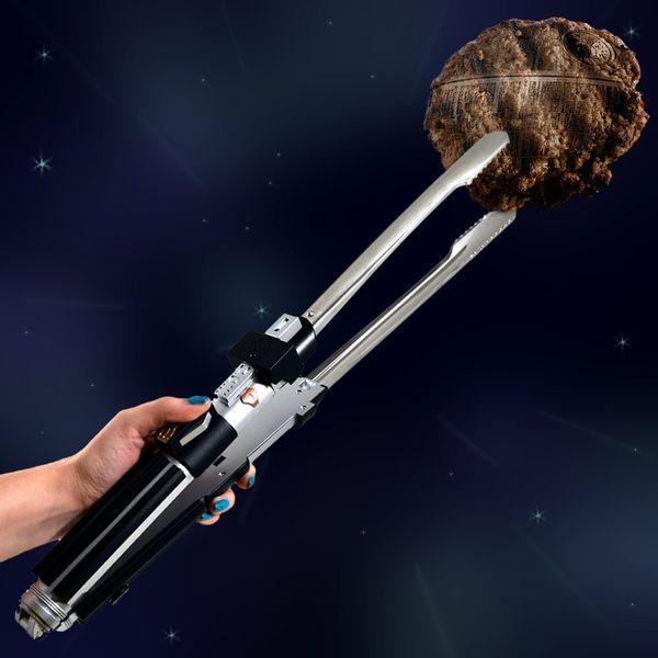 "<strong>Get the <a href=""http://www.amazon.com/Star-Wars-Lightsaber-Tongs-Sounds/dp/B00JOL8Y9K/ref=sr_1_3?amp=&ie=UTF8&keywor"