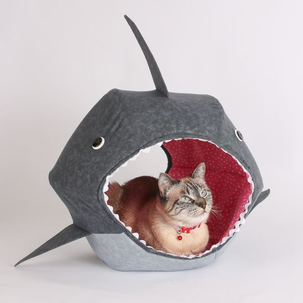 "<a href=""http://www.thecatball.com/collections/special-edition/products/great-white-shark-cat-ball-kitty-cave-bed"" target=""_b"