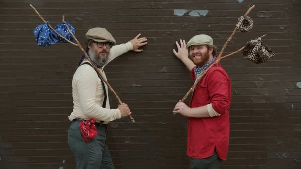 "Everything old is new again and the Bindle is proof. It's basically <a href=""http://bindlebros.com"" target=""_blank"">a bandana"
