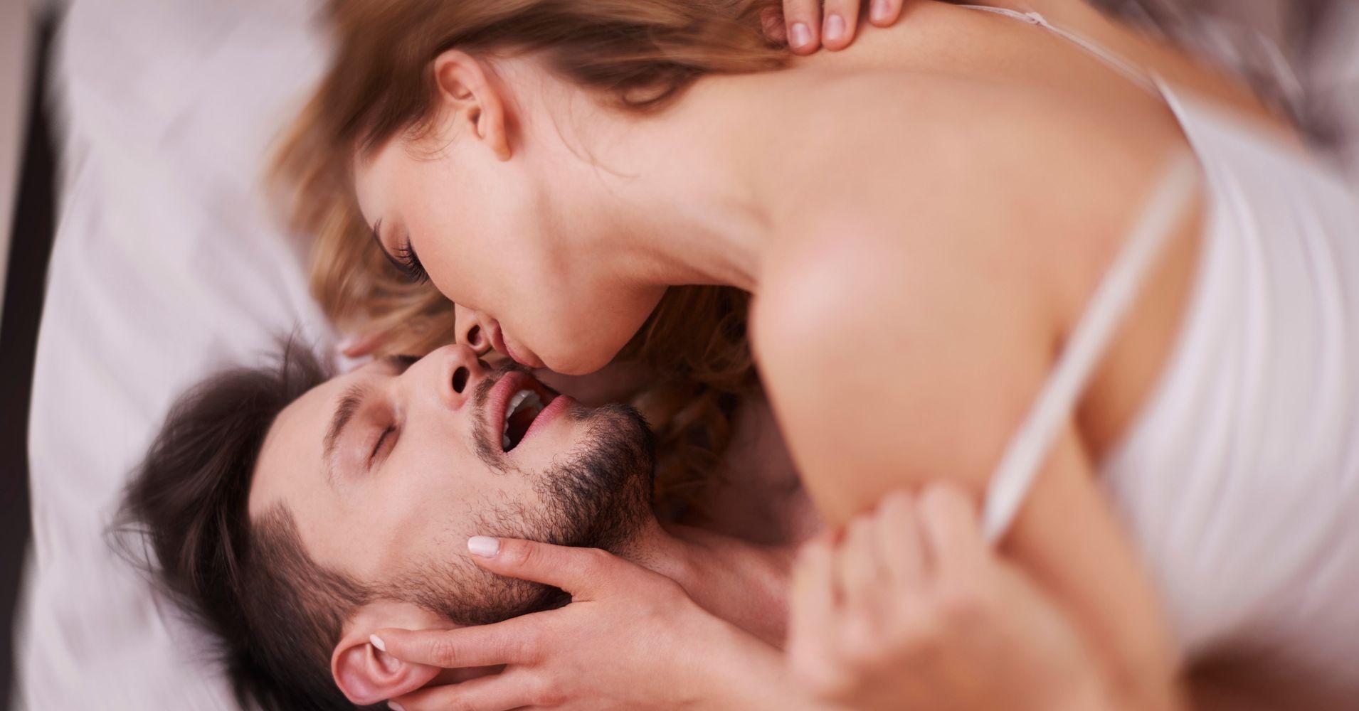 секс в шкафу страстный смотреть
