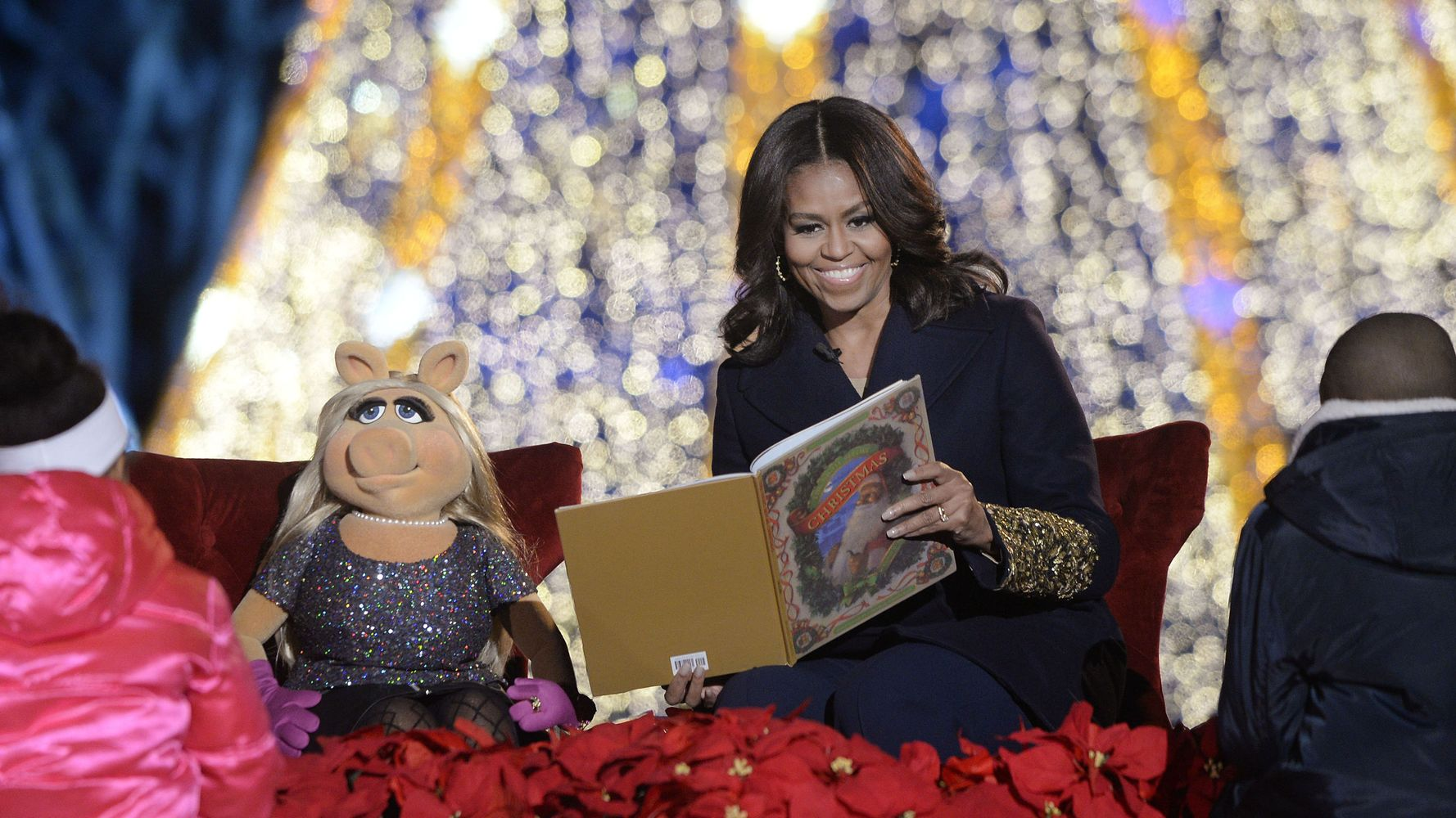 Michelle Obama And Miss Piggy Read 'The Night Before Christmas'