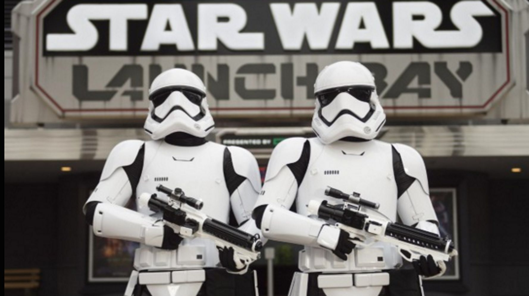 Star Wars EVERYTHING Just Opened At Disneyland And Disney World
