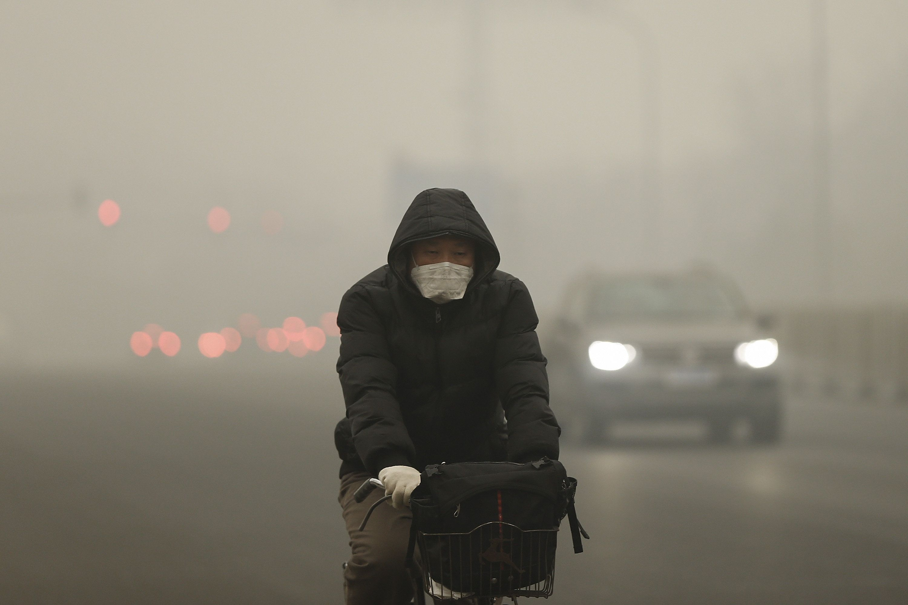 China's capital recorded the worst smog of the year with air quality devices in some areas unable to read such high levels of